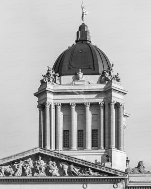 Manitoba-Legislative-Building-01028W.jpg