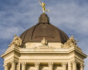 Manitoba-Legislative-Building-01030W.jpg