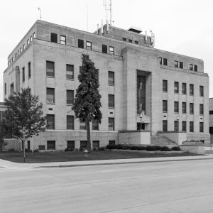 Marinette-County-Courthouse-01002W.jpg