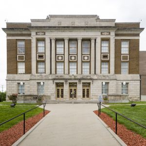 Bourbon-County-Courthouse-02001W.jpg