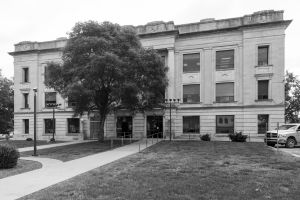 Crawford-County-Courthouse-01003W.jpg