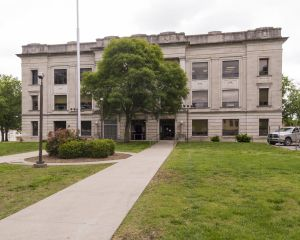 Crawford-County-Courthouse-01004W.jpg