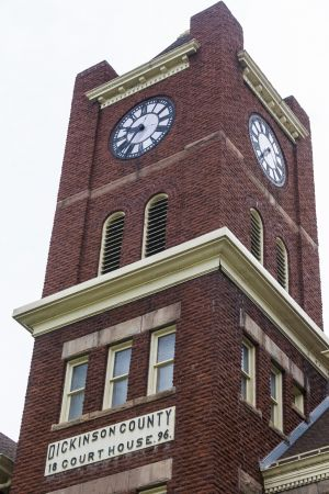 Dickinson-County-Courthouse-01010W.jpg