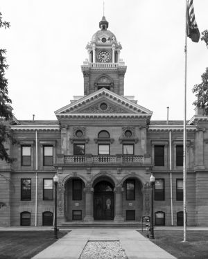 Gratiot-County-Courthouse-01005W.jpg