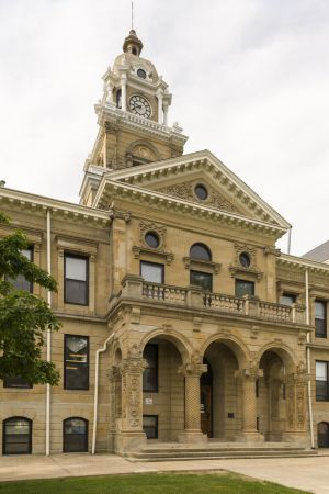 Gratiot-County-Courthouse-01007W.jpg