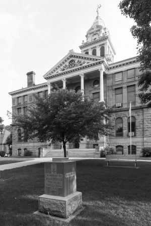 Ionia-County-Courthouse-01007W.jpg