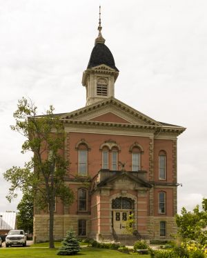 Menominee-County-Courthouse-01002W.jpg