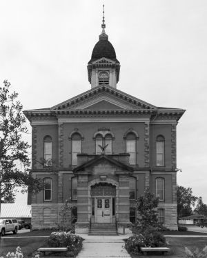 Menominee-County-Courthouse-01003W.jpg