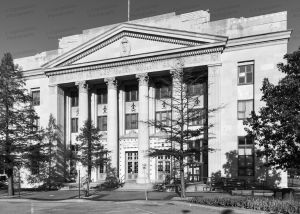 United-States-Courthouse-Topeka-01006W.jpg