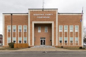 Sequoyah-County-Courthouse-01004W.jpg