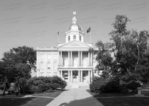 New-Hampshire-State-House-1067.jpg