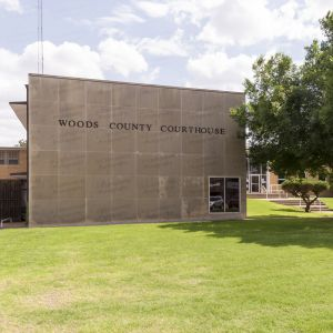 Woods-County-Courthouse-01001W.jpg