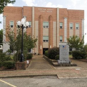 Choctaw-County-Courthouse-01001W.jpg