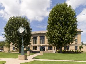 LeFlore-County-Courthouse-01005W.jpg
