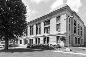 LeFlore-County-Courthouse-01008W.jpg