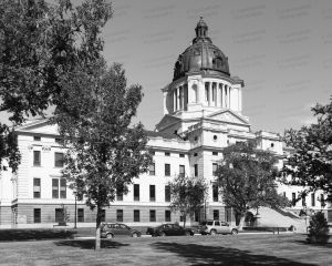 South-Dakota-State-Capitol-01009W.jpg