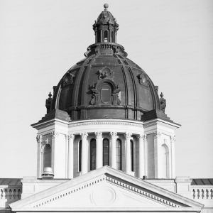 South-Dakota-State-Capitol-01046W.jpg