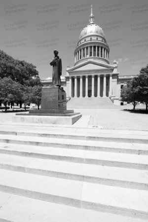 West-Virginia-State-Capitol-1013.jpg