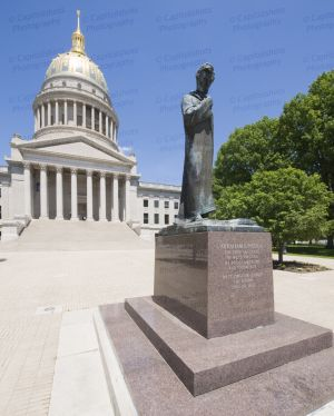 West-Virginia-State-Capitol-1014.jpg