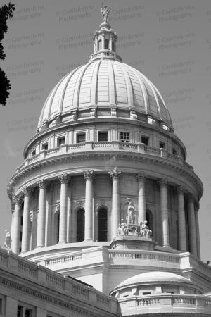 Wisconsin-State-Capitol-1018.jpg
