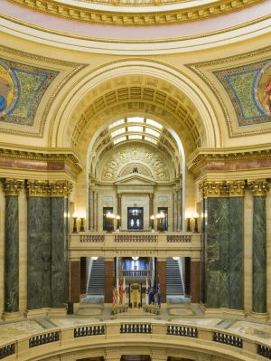 Wisconsin-State-Capitol-1113.jpg