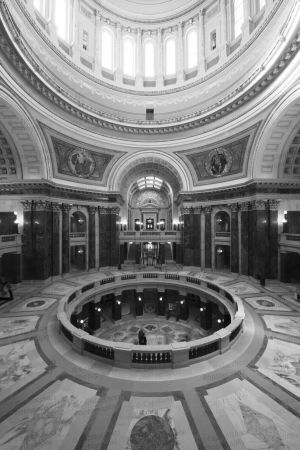 Wisconsin-State-Capitol-1115.jpg