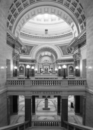 Wisconsin-State-Capitol-1119.jpg