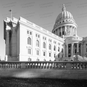 Wisconsin-State-Capitol-1159.jpg