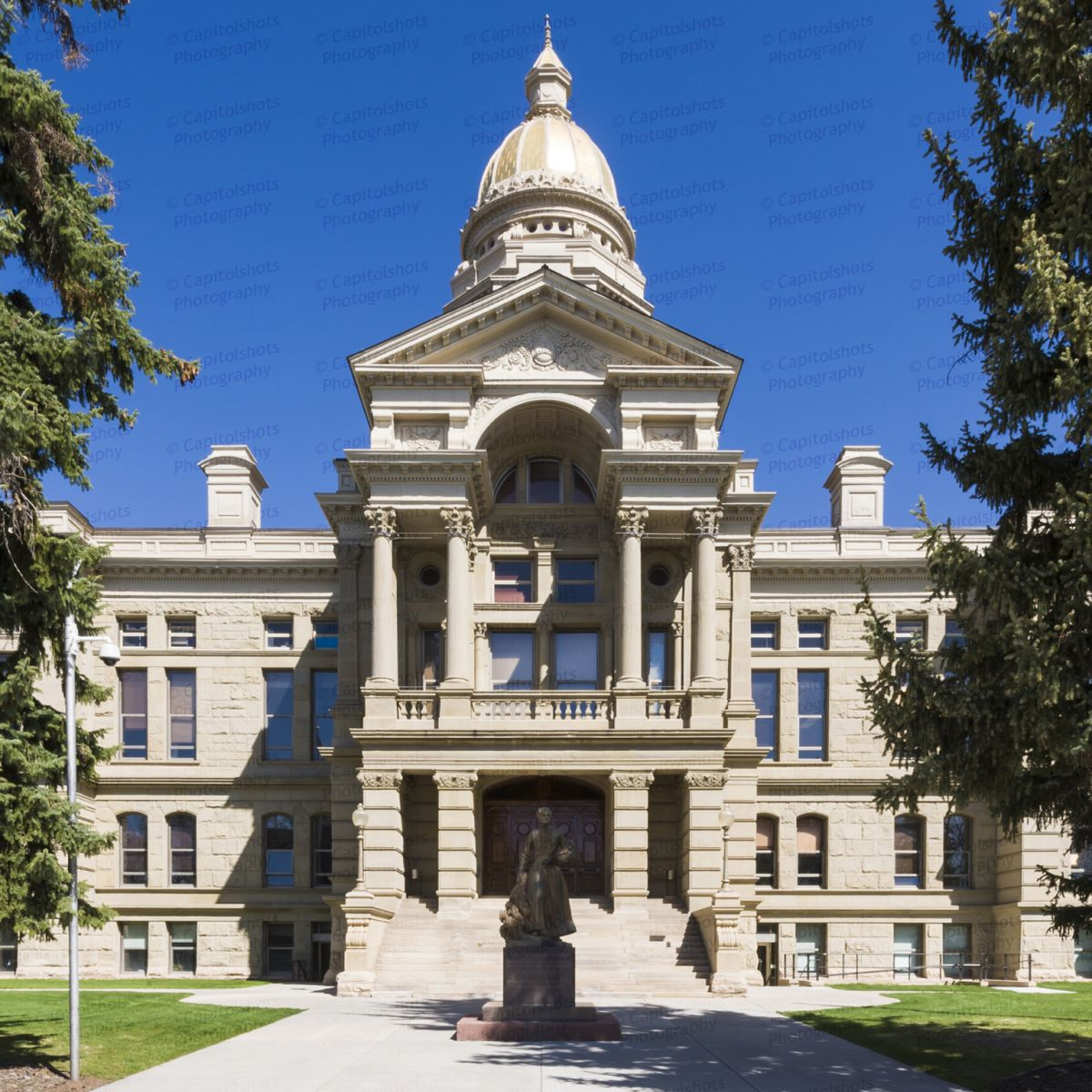 Wyoming-State-Capitol-01001W.jpg