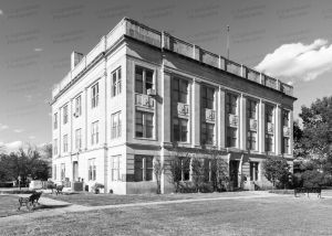 Cotton-County-Courthouse-01004W.jpg