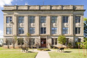 Cotton-County-Courthouse-01005W.jpg