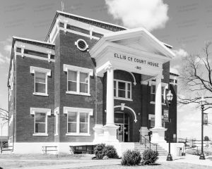 Ellis-County-Courthouse-02002W.jpg