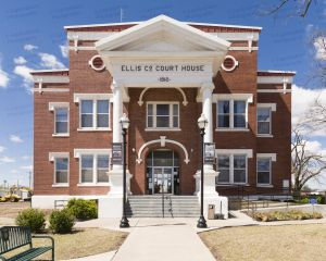 Ellis-County-Courthouse-02004W.jpg