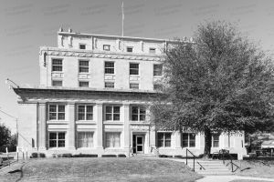 Okfuskee-County-Courthouse-01005W.jpg