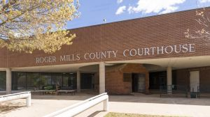 Roger-Mills-County-Courthouse-01004W.jpg