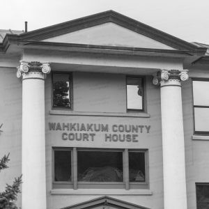 Wahkiakum-County-Courthouse-01008W.jpg