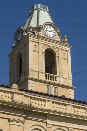 Robertson-County-Courthouse-02011W.jpg