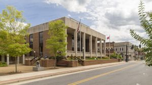 Unicoi-County-Courthouse-01004W.jpg