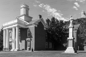 Bland-County-Courthouse-01002W.jpg