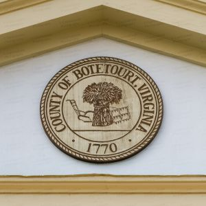 Botetourt-County-Courthouse-01010W.jpg