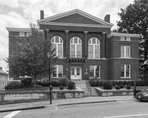 Historic-Rockbridge-County-Courthouse-01004W.jpg