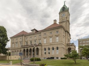 Rockingham-County-Courthouse-01006W.jpg