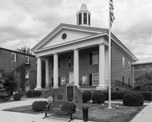 Shenandoah-County-Courthouse-01003W.jpg