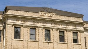 Sevier-County-Courthouse-02008W.jpg