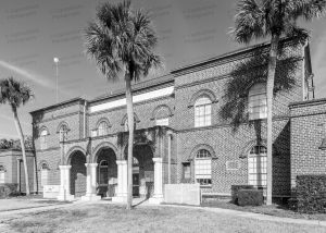 Gilchrist-County-Courthouse-01003W.jpg