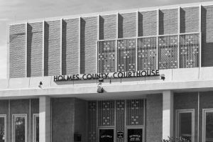 Holmes-County-Courthouse-01006W.jpg
