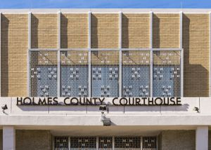 Holmes-County-Courthouse-01007W.jpg