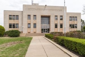 Sumner-County-Courthouse-01004W.jpg