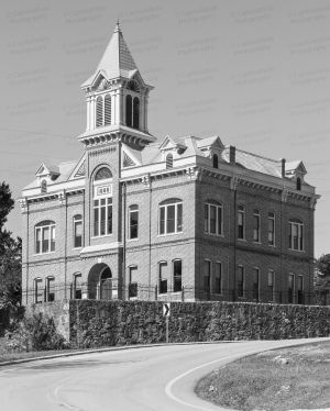 Historic-Lawrence-County-Courthouse-01008W.jpg