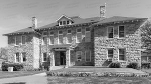 Stone-County-Courthouse-01004W.jpg